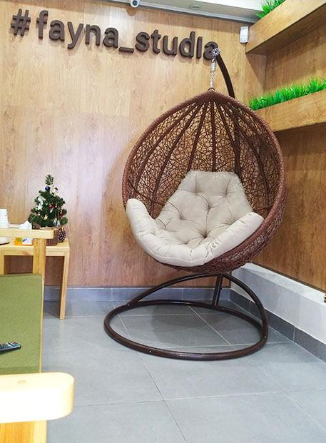 Селфи зона и кресло-кокон студия лазерной эпиляции Файна